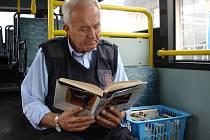 Knihy nyní cestují autobusem