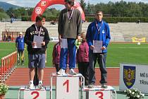 Jaromír Pumr stanul na nejvyšším stupni republikového mistrovství v atletice žáků v hodu kladivem.