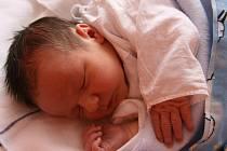 TOMÁŠEK Krubert přišel na svět 13. dubna. Po narození měřil 50 cm, vážila 3, 84 kg. Radují se z  něho rodiče Marie a Martin a bráška Martínek z Vlkavy.