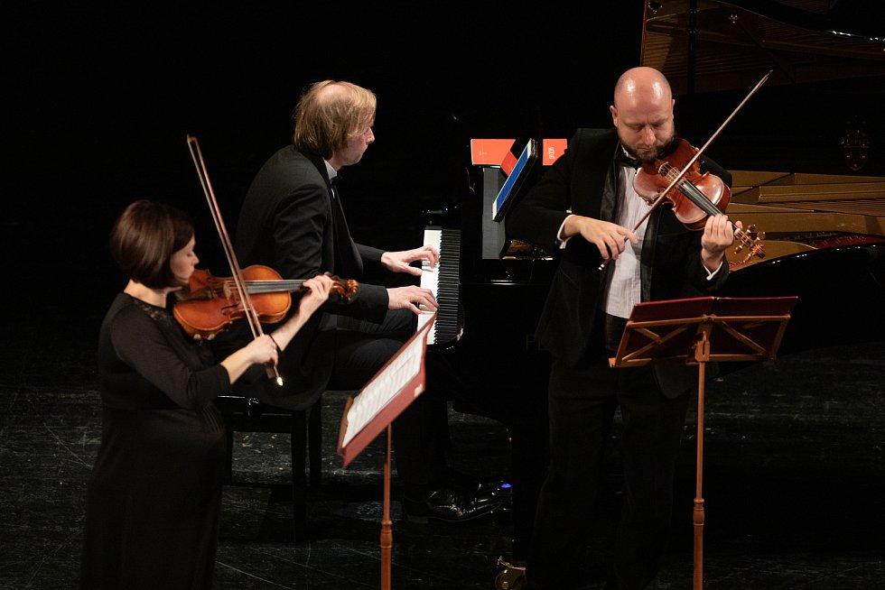 Ivo Kahánek nadchl Městské divadlo Mozartovými komorními koncerty