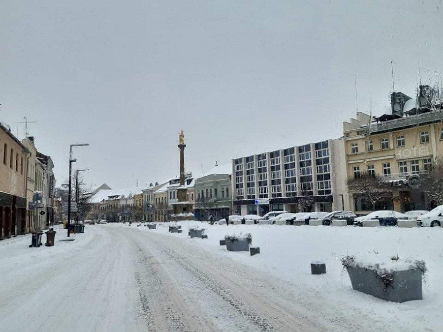 Staroměstské náměstí v Mladé Boleslavi pod sněhem