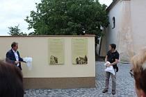 Dvě historické budovy v Bakově nad Jizerou zdobí pamětní desky