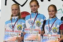 Tým žákyň ve složení Simona Hlaváčková, Eva Vyskočilová a Kateřina Kvapilová vybojoval na GP v Ústí nad Labem stříbro