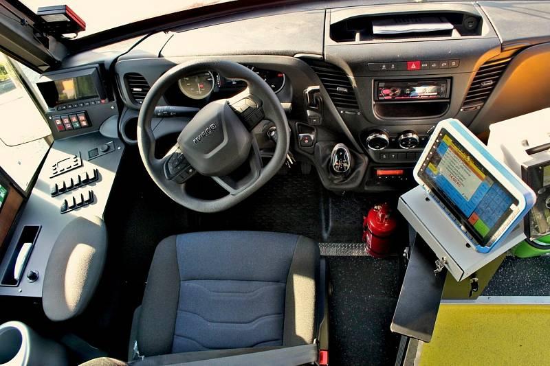 Společnost Lutan je prvním dopravcem, který vyjede v rámic integrovaného systému ve středních Čechách s vozidly v nových barvách Pražské integrované dopravy (PID).