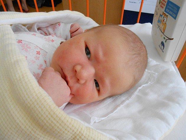 Johana Sládková se narodila 22. dubna, vážila 3,93 kg a měřila 53 cm. Maminka Zlata a tatínek Jan si ji odvezou domů do Dalovic.