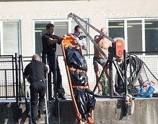V Benátkách vytáhli z vody tělo utonulého muže