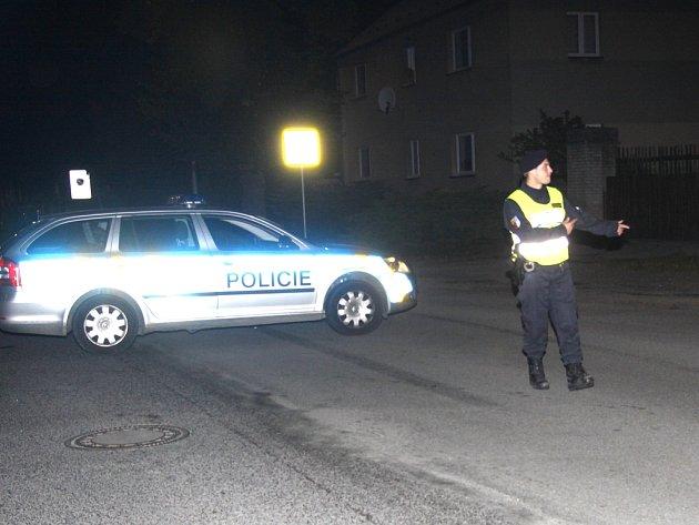 Unikající plyn zastavil R10 u Bezděčína