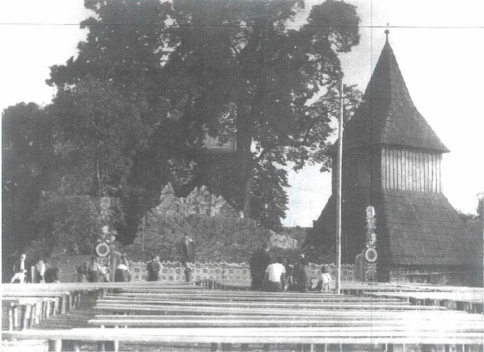 Sudoměř: historické fotografie ochotníků.