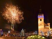 Zvonění do nového roku na Staroměstském náměstí.