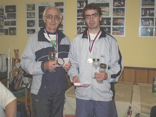 Jaroslav a Tomáš Kratochvílovi se stali vítězi tenisového turnaje v Mladé Boleslavi na závěr sezony