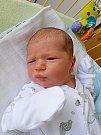 Honzík Dvořáček se narodil 2. září, vážil 3,54 kg a měřil 52 cm. S maminkou Ivetou a tatínkem Janem bude bydlet v Mladé Boleslavi, kde už se na něho těší sestřička Anička.