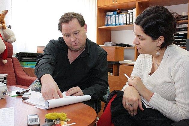 Ředitel Základní školy Debř Štefan Klíma řeší vlastní rezignaci.