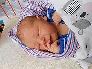Oliver Černý se narodil 19. prosince, vážil 3,73 kg a měřil 53 cm. Maminka Klára a tatínek Patrik si ho odvezou domů do Sušna.
