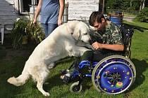 Pomozte smskou získat nový vozík pro Jindru Nagyho z Dobšína.