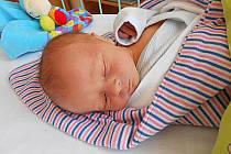Lukáš Svoboda se narodil 10. září, vážil 2,71 kg a měřil 46 cm. S maminkou Martinou a tatínkem Martinem bude bydlet v Dnebohu.