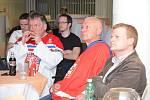 Hokeji se fandilo i na Mladoboleslavsku, hokejová aréna na Karmeli byla plná
