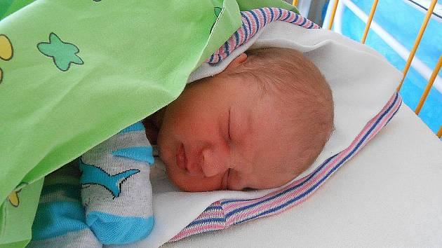 Vojtíšek Blaha, Luštěnice. Narodil se 13. září, vážil 2,98 kg a měřil 48 cm. Maminka Veronika a tatínek Petr.
