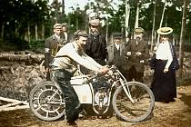 Ze světového šampionátu v Dourdanu v roce 1905