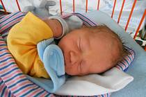 Štěpánek Kulas se narodil 18. prosince, vážil 3,14 kg a měřil 49 cm. Maminka Jarmila a tatínek Jakub si ho odvezou domů do Dolního Cetna, kde už se na něho těší bráška Kubíček.