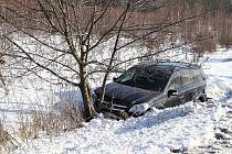 Sobotní řetězová nehoda na silnici R10 mezi Mladou Boleslaví a Bakovem.