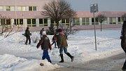 Koulovaná před školou.