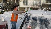 Očištění auta neradno podceňovat. Hlavní je bezpečný výhled a čistá světla.