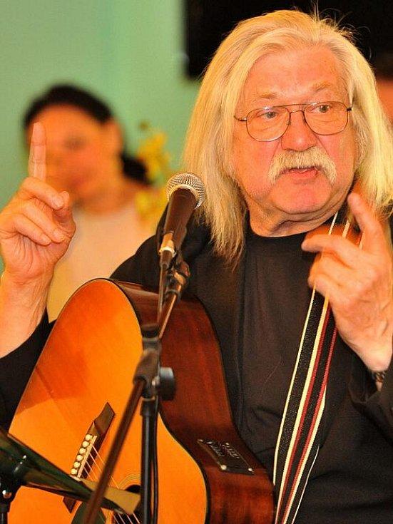 Josef Fousek - Křeslo pro hosta ve Sparingu Holé Vrchy