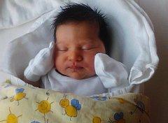 ANNA Mráčková se narodila 15. března, vážila 3,59 kilogramů a měřila rovných 50 centimetrů. Maminka Veronika a tatínek  Lukáš jí odvezou domů do Lysé nad Labem.