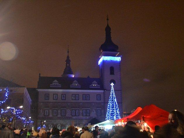 Rozsvícení vánočního stromu na Staroměstském náměstí v Mladé Boleslavi
