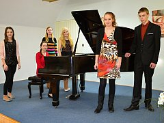 Mladí klavíristé soutěžili v okresním kole