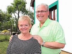 MARTIN UMLAUF a Geraldina Umlauf přijeli na setkání potomků rodu Žitných až z dalekého Chicaga.
