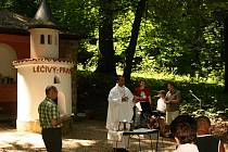 Poutní mši svatou na Boží vodě sloužil arciděkan Pavol Poláček.