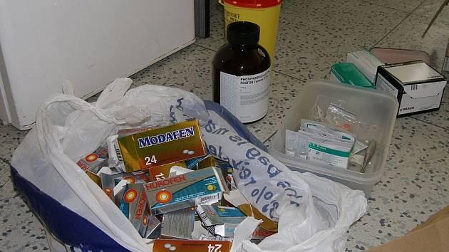 V drogovém doupěti byly nalezeny přípravky i suroviny na výrobu pervitinu.