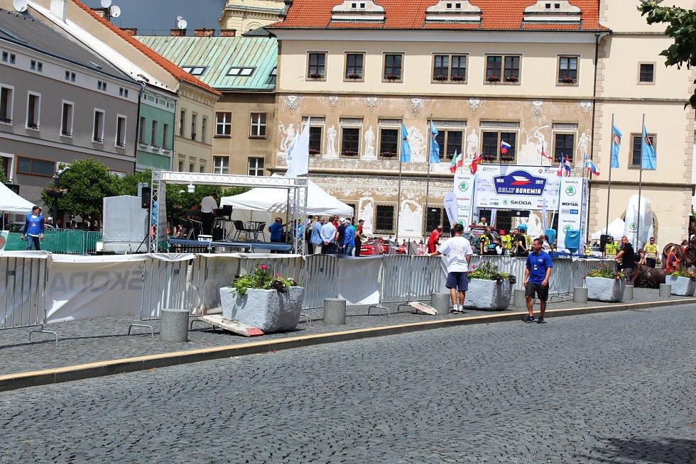 Historické centrum se stalo závodní dráhou.