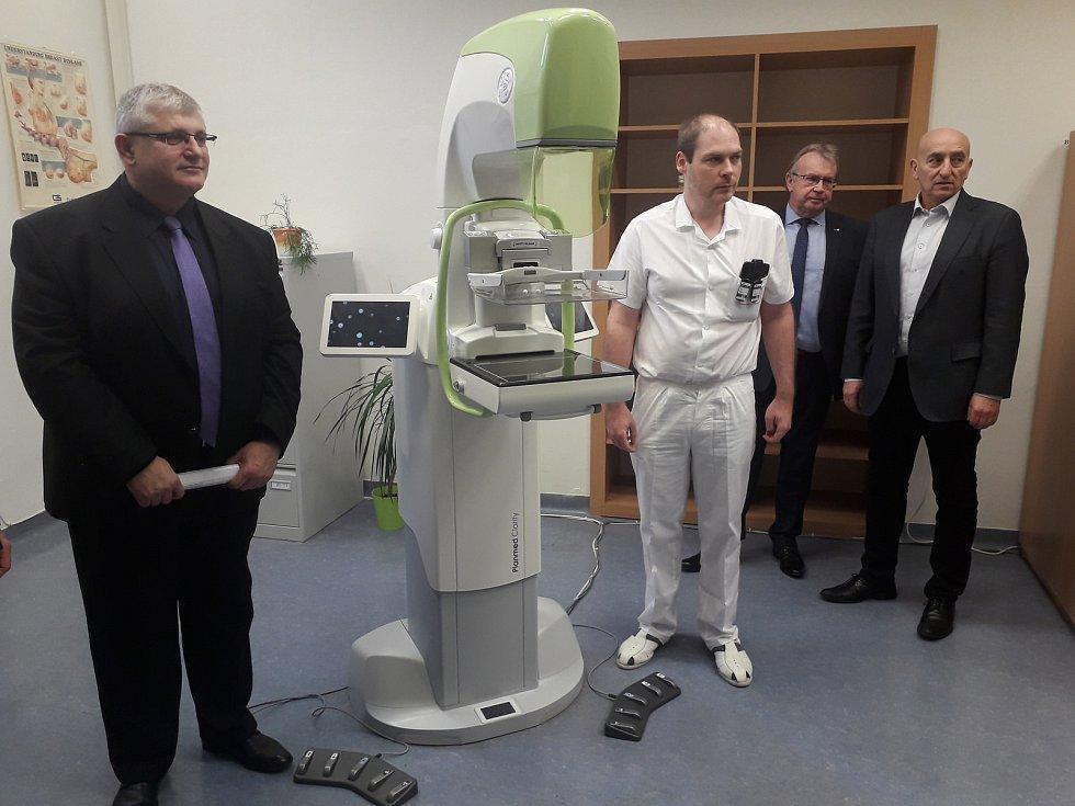 Nový mamograf v Klaudiánově nemocnici v Mladé Boleslavi.
