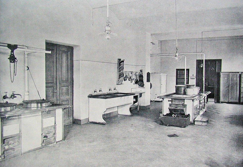 Klaudiánova nemocnice, nemocniční kuchyně v roce 1912
