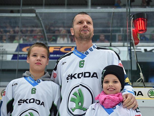 Michal Broš se před před včerejším utkáním Mladé Boleslavi a Sparty rozloučil s fanoušky a se svou kariérou.