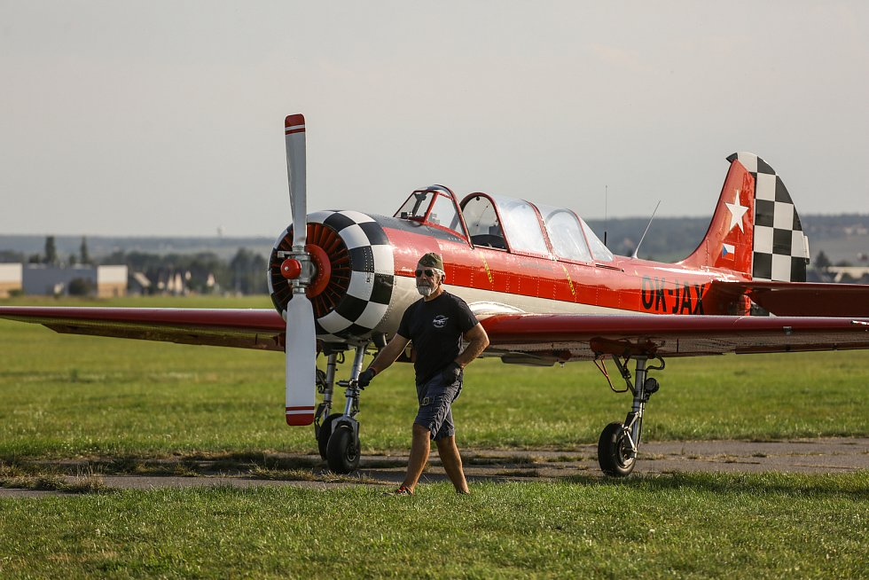 Z letových ukázek historických letadel v Mladé Boleslavi v pátek 10. září 2021.