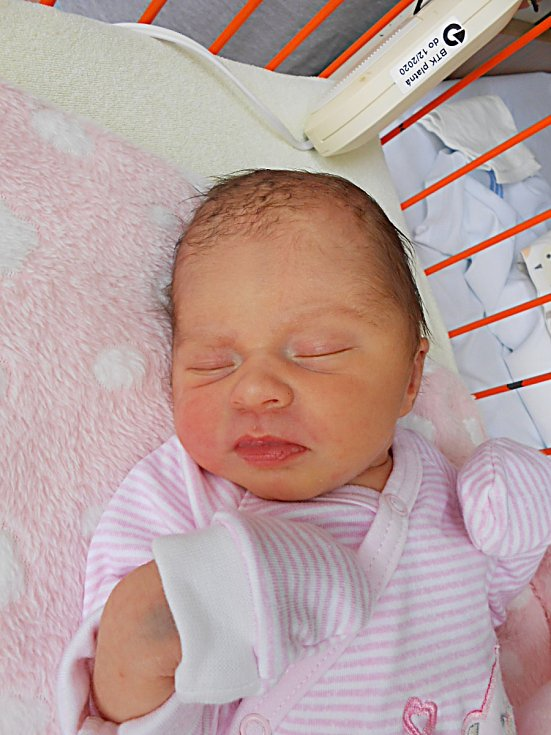 Karin Trojčáková se narodila 8. května, vážila 2,84 kg a měřila 48 cm. Maminka Tetjana a tatínek Maroš si ji odvezou domů do Kláštera Hradiště nad Jizerou.
