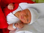Matěj Mošpán se narodil 30. ledna s váhou 4,56 kg. Maminka Lucia a tatínek Adam si ho odvezou domů do Kosmonos.