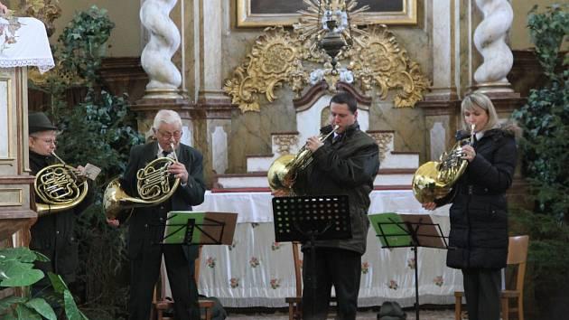 Koncert lovecké duchovní hudby v kostele v Sudoměři