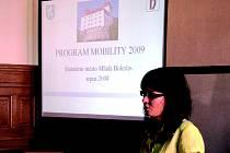S programem Mobiliti 2009 se nedávno mohla seznámit i veřejnost. Představila ho Hana Benšová z odboru řízení projektů (na snímku).