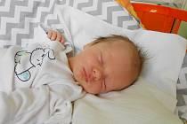 MATYÁŠ Coufal se narodil 13. června, vážil 3,16 kg a měřil 49 cm. Maminka Marcela a tatínek Jiří si ho odvezou domů do Bělé pod Bezdězem, kde už se na něho těší bráška Honzík.