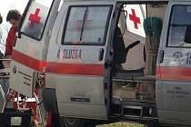 Záchranka odvezla muže do Klaudiánovy nemocnice