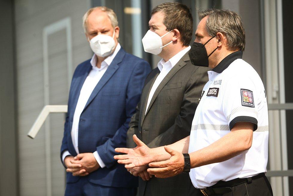 Slavnostní otevření služebny nově zřízeného oddělení dálniční policie v Bezděčíně v úterý 1. června 2021.