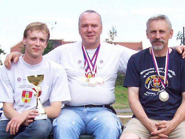 Trio úspěšných střelců Škoda Mladá Boleslav. Odleva: Petr Komárek, Josef Forman, František Kadavý.
