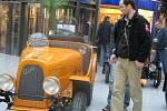 Návštěvníci Bondy centra měli možnost zhlédnout automobilové veterány.