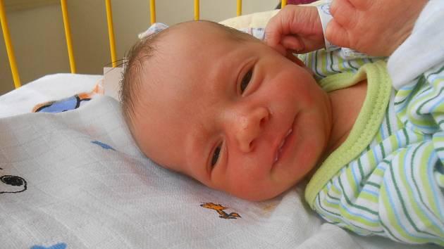 ROMAN Hušek se narodil 2. května mamince Zuzaně a tatínkovi Janovi z Bítouchova. Vážil 2,51 kg a měřil 47 cm.