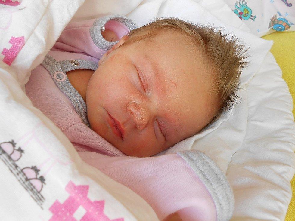 Kristýna Vojtěchová se narodila 11. března, vážila 3,25 kg a měřila 46 cm. s maminkou Lucií a tatínkem Jiřím bude bydlet v Žerčicích.