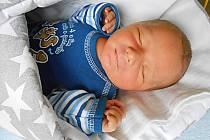 Tadeáš Bartoň se narodil 8. prosince, vážil 3,97 kg a měřil 53 cm. Maminka Hana a tatínek Vít si ho odvezou domů do Doubravičky, kde už se na něho těší bráška Matyášek.